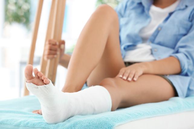 Cuidar la piel durante y después de la escayola