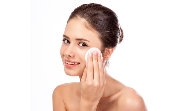 ¿Cómo limpiar una piel grasa?